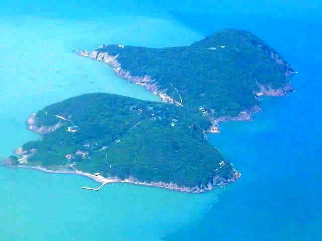 Đảo Hòn Ngư nhìn từ trên cao